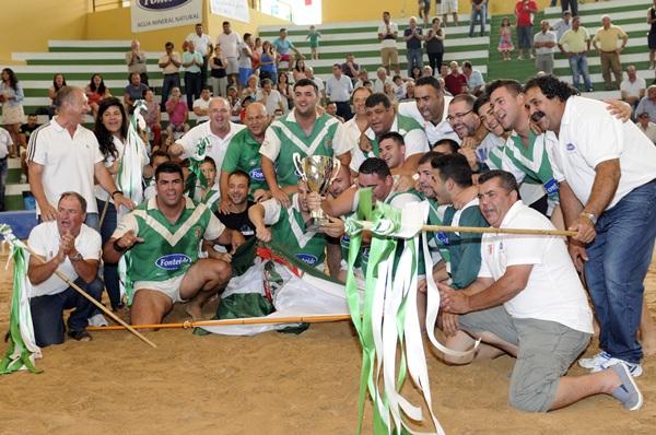 Lucha Canaria Victoria Campeon.jpg