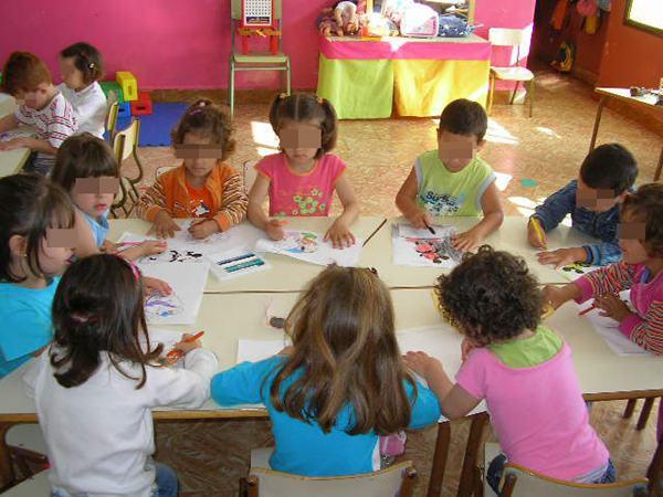 Unicef sitúa a Canarias como una de las tres comunidades que más redujo la inversión entre 2007 y 2013. | DA