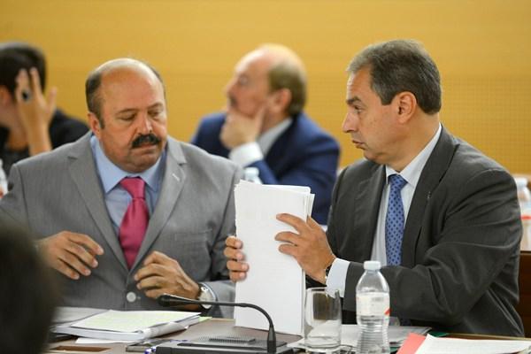 Torres (Izquierda) y Delgado protagonizaron uno de los debates de la sesión plenaria de ayer