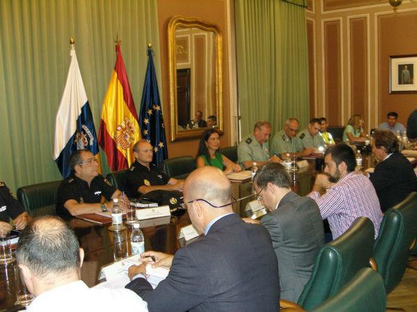 Hernández Bento presidió la primera reunión para preparar el plan de seguridad de las Fiestas del Pino