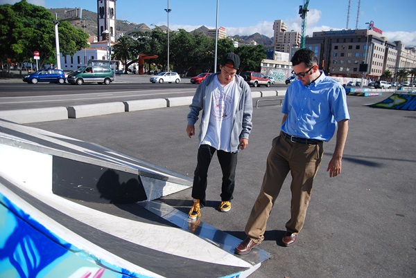 Aitor Díaz y Zósimo Darias en su skate park. / DA
