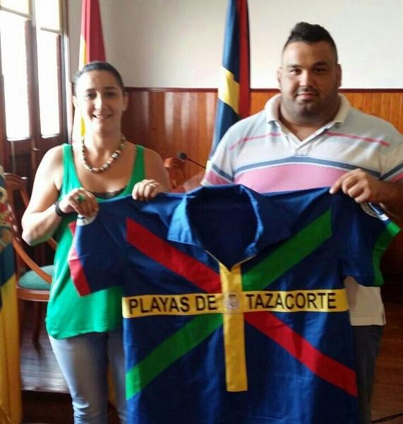 Lorenzo Rodríguez 'Lorencito' con su nuevo equipo. / DA
