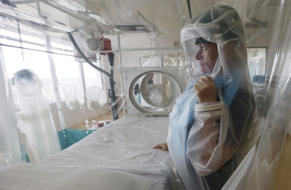 El hospital tinerfeño cuenta con habitaciones de aislamiento. / DA