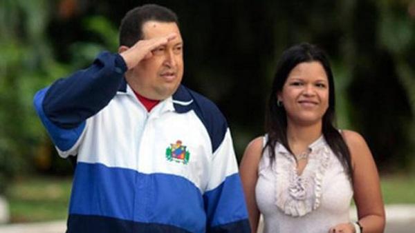 María Gabriela Chávez junto al fallecido presidente venezolano