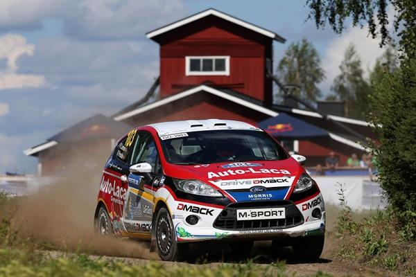Yeray Lemes y Rogelio Peñate durante una especial del Rally de Finlandia. / DA