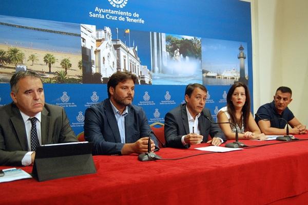 José Manuel Fernández (i), José Ángel Martín, José Manuel Bermúdez, Alicia Álvarez y Fran Bautista. / DA