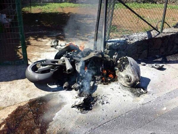 incendio moto.jpg