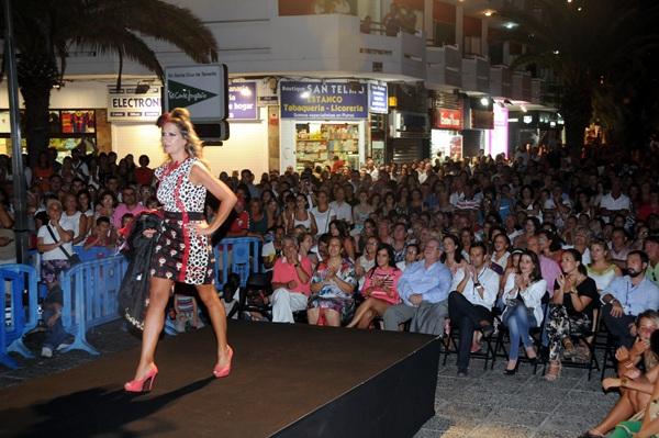 La gran pasarela de moda, el acto principal, se traslada este año al entorno de la Casa de la Aduana./ M. PÉREZ