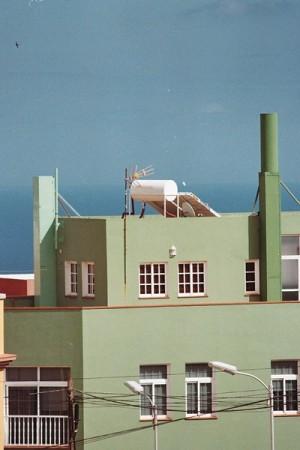 Antena mimetizada en Santa Cruz de Tenerife.   DA