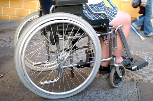 Los discapacitados denuncian muchas trabas en la accesibilidad. | DA