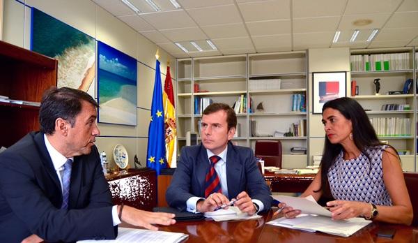 José Manuel Bermúdez, Pablo Saavedra y María del Carmen Hernández Bento, ayer en Madrid. / DA