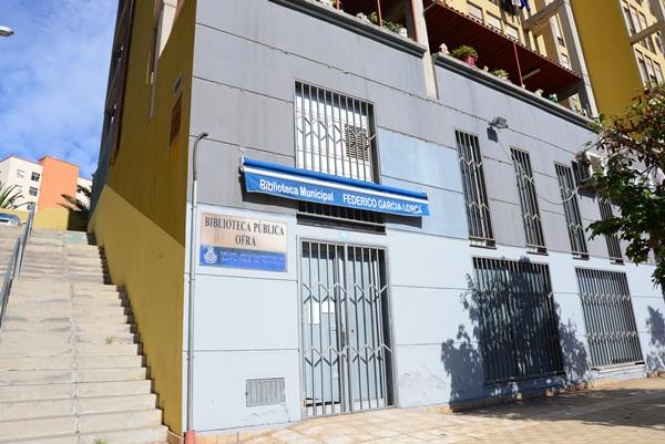 Biblioteca municipal Federico García Lorca, en Ofra. / DA