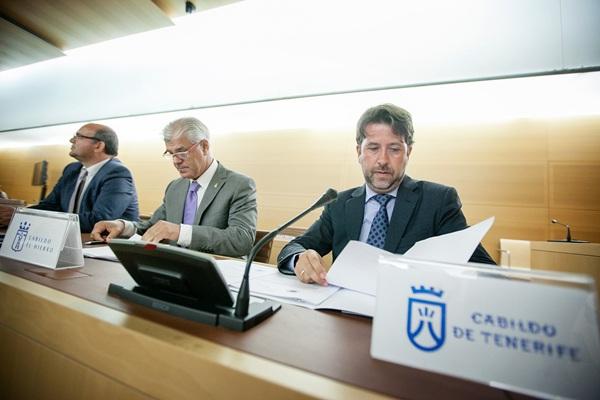 Reunión de la Federación Canaria de Islas (Fecai), ayer en Tenerife. / ANDRÉS GUTIÉRREZ
