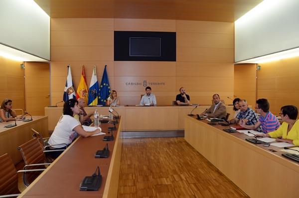 Una de las reuniones con los representantes políticos de Güímar. / DA
