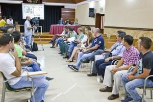 La presentación del Plan de Autoprotección, Seguridad y Emergencias de la Bajada se presentó ayer en la Casa de la Cultura. / DA
