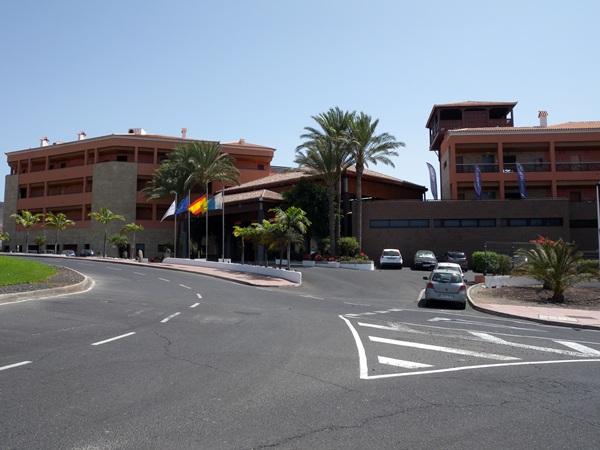 El hotel Jardines del Teide seguirá gestionado por Meliá Hotels International. / JOSÉ LUIS CONDE