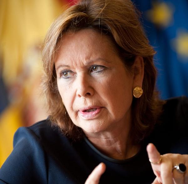 Francisca Luengo Orol, precandidata a las primarias del PSOE  a la presidencia del gobierno de canarias. / FRAN PALLERO