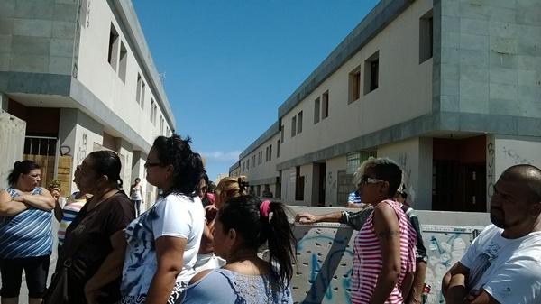 Los residentes okupas hicieron público el lunes su situación de desamparo. / NORCHI