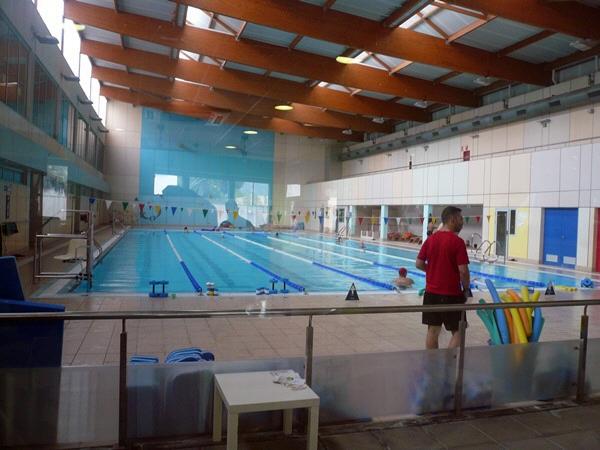 La concesionaria deber reabrir la piscina aunque prepara for Piscina municipal puerto de la cruz