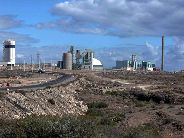 Jaime González Cejas quiere culminar la urbanización aún inacabada del polígono industrial. / DA