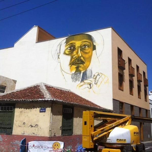 El artista Sabotaje al montaje comenzó el lunes a pintar el retrato de Chucho Dorta en un mural ubicado en la calle de Teobaldo Power. / DA