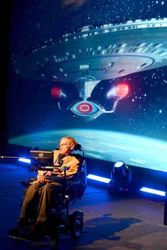 El científico británico impartió una conferencia en Adeje, dentro del programa del Festival Starmus. / SERGIO MÉNDEZ