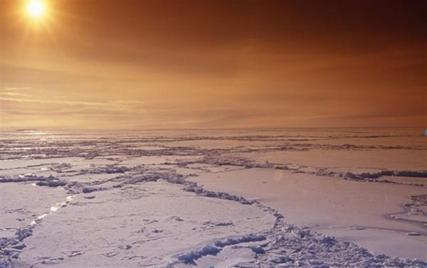 Un grupo de ecologistas desplegará una pancarta de no a las prospecciones en el viaje al Ártico