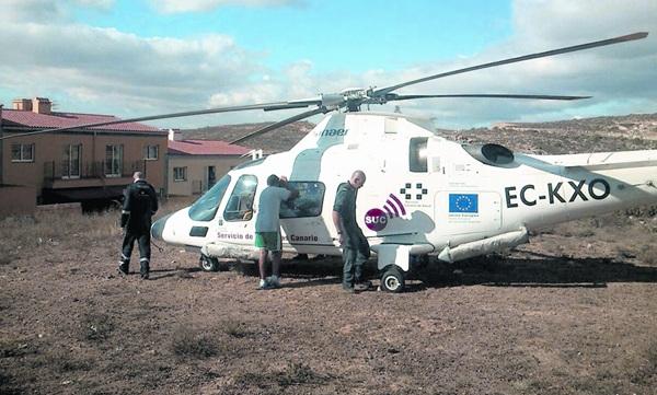 El helicóptero trasladó al bebé al Hospital de La Candelaria. / DA