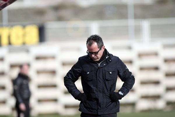 El entrenador blanquiazul habló con claridad en sala de prensa tras la derrota en Montilivi. / DA