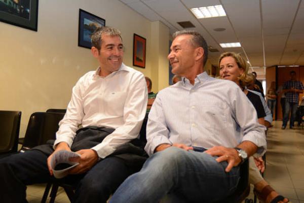 Rivero y Clavijo el día que los nacionalistas eligieron a su candidato a la Presidencia del Gobierno. / DA