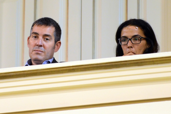 Fernando Clavijo asiste al debate de la comunicación sobre las prospecciones petrolíferas. / S. M.