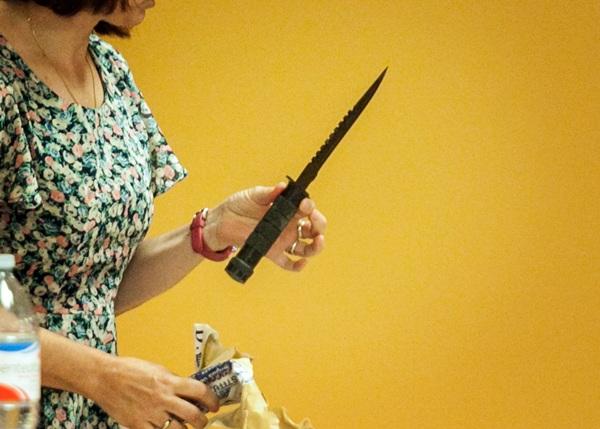 El arma homicida, ayer, en el juicio. / a. G.