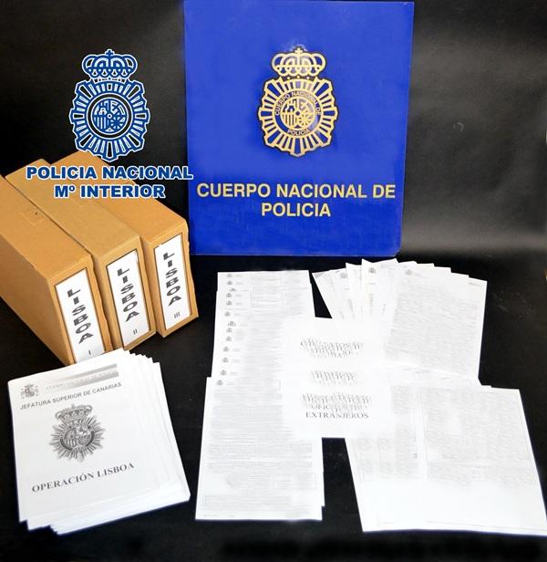 Imagen de la documentación incautada por el Cuerpo Nacional de Policía. / DA