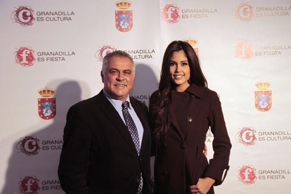 González Cejas y Patricia Yurena, en un acto celebrado en el municipio. / DA