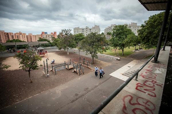 Aspecto general del parque y de la zona recreativa infantil que alberga. / ANDRÉS GUTIÉRREZ