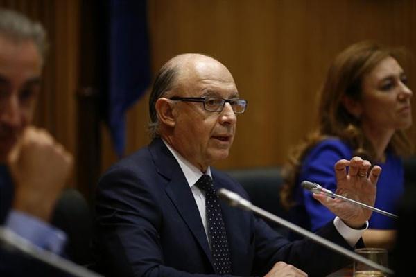 Cristóbal Montoro, ministro de Hacienda y Administraciones públicas. / EP