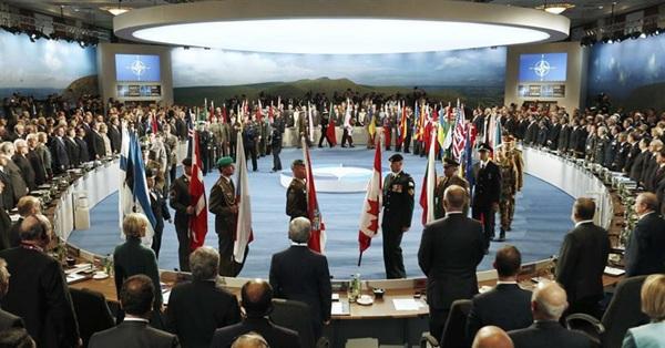 La OTAN deja claro que ayudará a la exrepública soviética a construir un ejército fuerte. / REUTERS