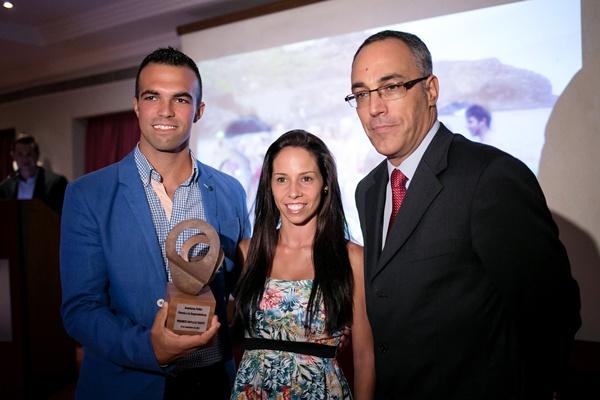 Jerónimo Reñasco y Maida Padrón, con el subdirector de DA. / A.G.