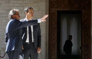 Artur Mas y Pedro Sánchez, en el Palau de la Generalitat de Cataluña. / Gustau Nacarino (reuters)