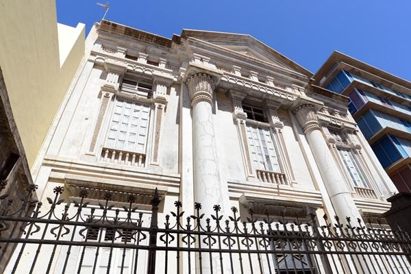 Se analizará si el edificio de al lado ha afectado al templo. / SERGIO MÉNDEZ