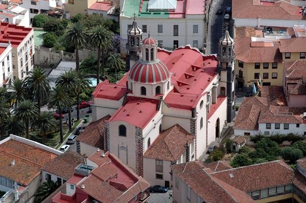 El Cabildo adjudicó la obra de restauración de la cubierta de la Iglesia de La Concepción, en La Orotava. / M. P.