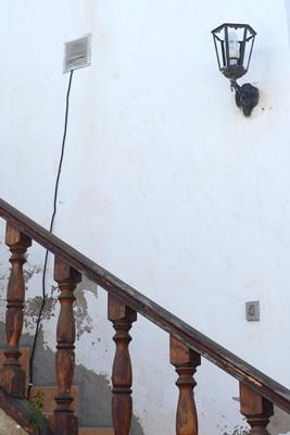 Las conexiones ilegales están presentes en las casas. / S.M.