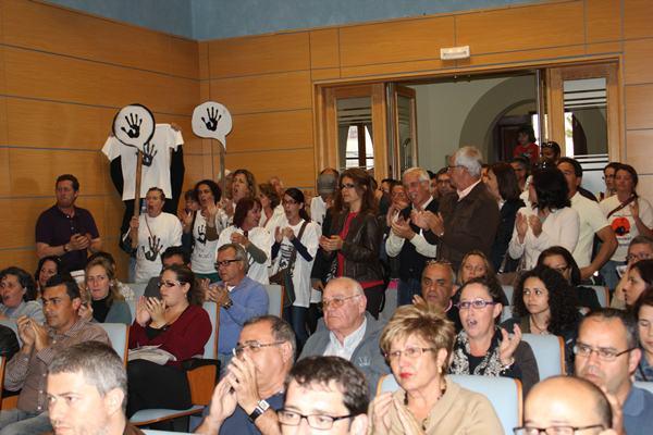 Acto en el Cabildo de Fuerteventura contra las prospecciones petrolíferas. / DA