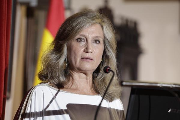 María Dolores Bargues, ayer, durante su intervención. / DA