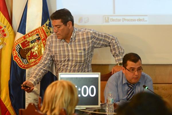 Las relaciones entre Octavo Fernández, a la derecha, y José Gumersindo García han sido tensas. / DA