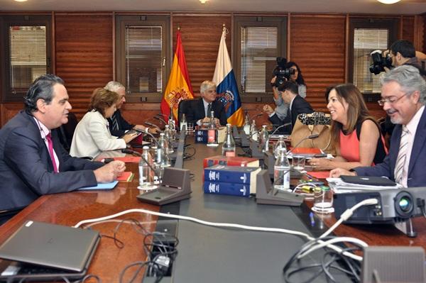 Reunión del Consejo de Gobierno, ayer en Las Palmas de Gran Canaria. / DA