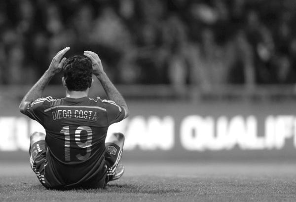 Diego Costa volvió a firmar un encuentro muy desacertado y sigue sin poder anotar en sus seis primeros partidos como internacional. / REUTERS
