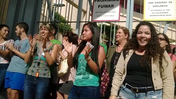 Manifestación en el IES Cabo Blanco. / DA