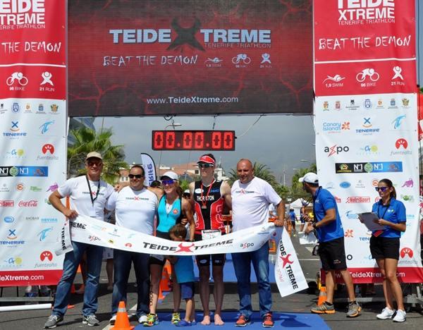 Los ganadores junto a Marcos Afonso, Adolfo Alonso y Roberto Konrad. | DA