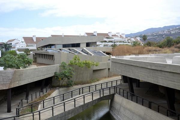 La construcción del pabellón de visitantes es la parte más compleja de la ampliación del Jardín Botánico./ J. L. C